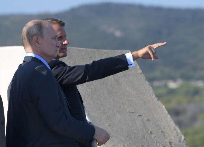 Le président russe Vladimir Poutin et le président français Emmanuel Macron lors d'une rencontre au fort de Brégançon (Var), le 19 août.