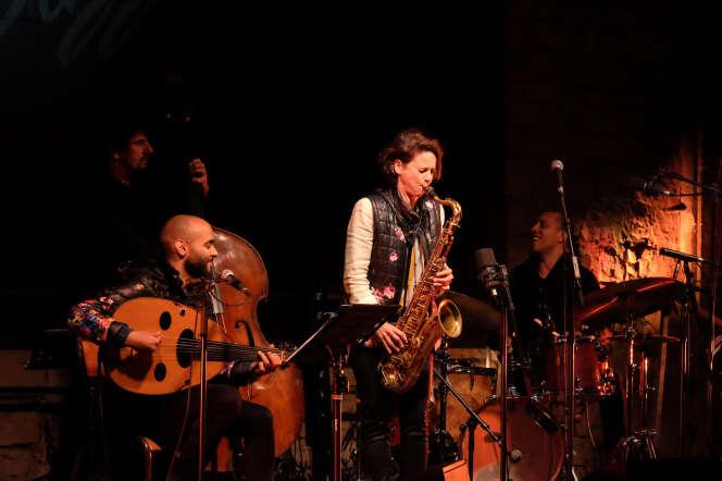 La saxophoniste Sophie Alour et sa formation Exils, àLa Garde-Adhémar, le 20 août.