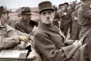 Le général de Gaulle en Normandie, le 14 juin 1944. Photographie colorisée.