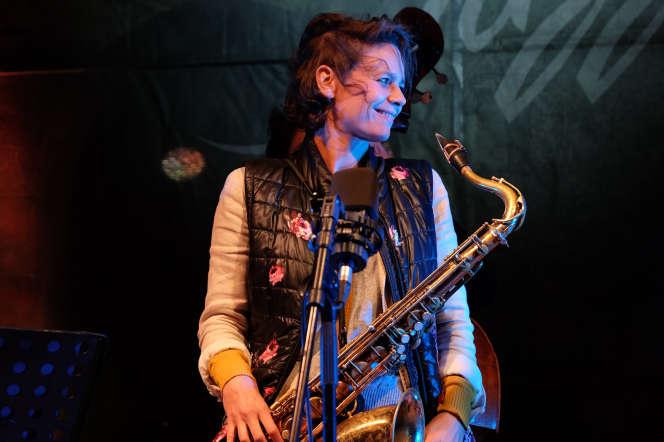 Sophie Alour en concert au festival Parfum de jazz à La Garde-Adhémar, le 20 août.