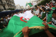 Mobilisation contre l'élite dirigeante à Alger, le 2 août.