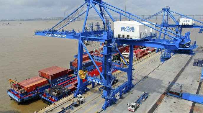Dans le port de Nantong, en Chine orientale, le 18 juillet 2019.