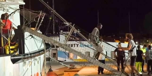 «Open-Arms»: la Marine espagnole va récupérer 15 migrants à Lampedusa
