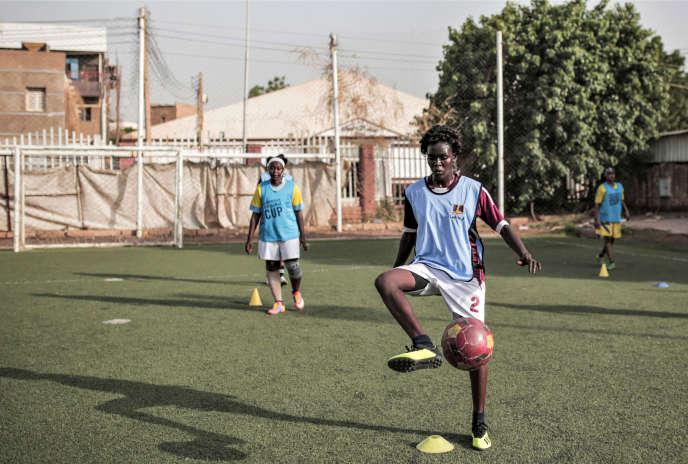 Des footballeuses s'entraînent à Khartoum, le 21août 2019.