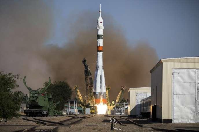 La fusée Soyouz a été lancée jeudi pour rejoindre la Station spatiale internationale.