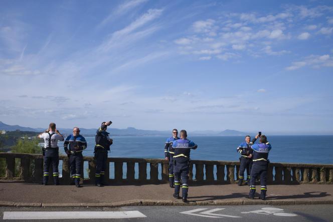 Des policiers pendant les préparatifs du G7 à Biarritz (Pyrénées-Atlantiques), le 21 août.