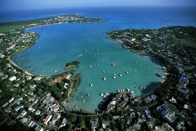 Vue aérienne deGrand Baie, au nord de l'île. La fourchette de prix va de 300 000 euros pour un appartement de 80-90 m² en ville jusqu'à une quinzaine de millions d'euros pour les biens les plus luxueux.
