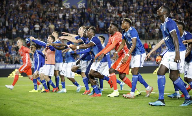 Les Starsbourgeois célèbrent leur victoire, jeudi 22 août.