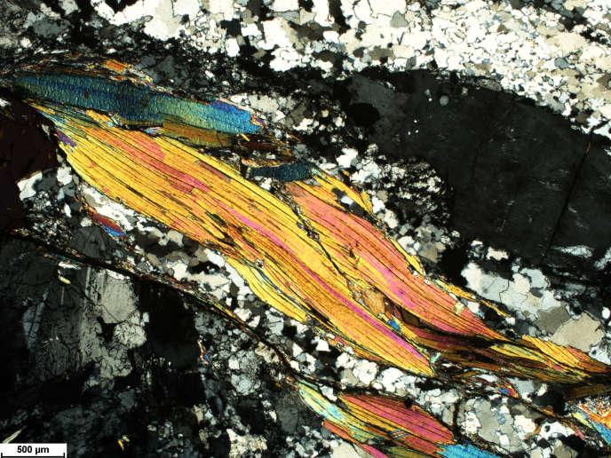 Echantillon provenantdu granit de Quiberon (Morbihan) mis en place entre 320 et 300 millions d'années.