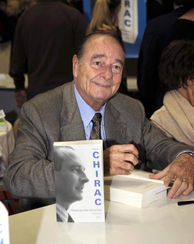 Jacques Chirac en séance de dédicaces le 7novembre 2009, à Brive-la-Gaillarde.