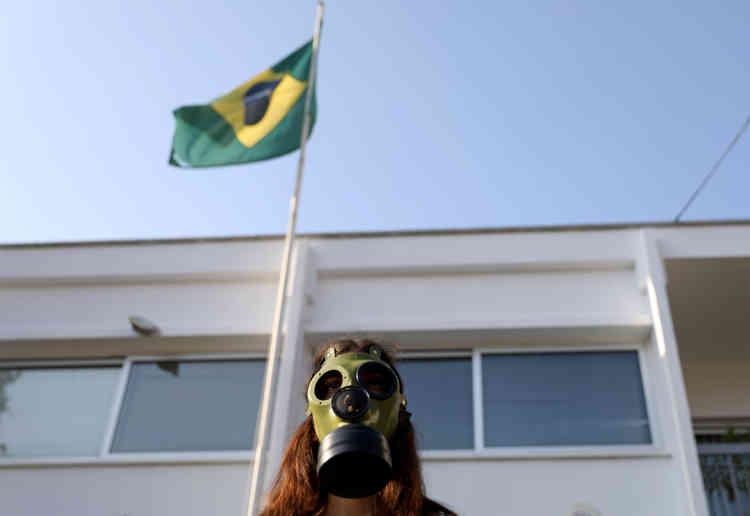 Cette mesure est une réponse à la pression internationale qui s'est faite croissante contre le Brésil (ici à Nicosie, à Chypre).
