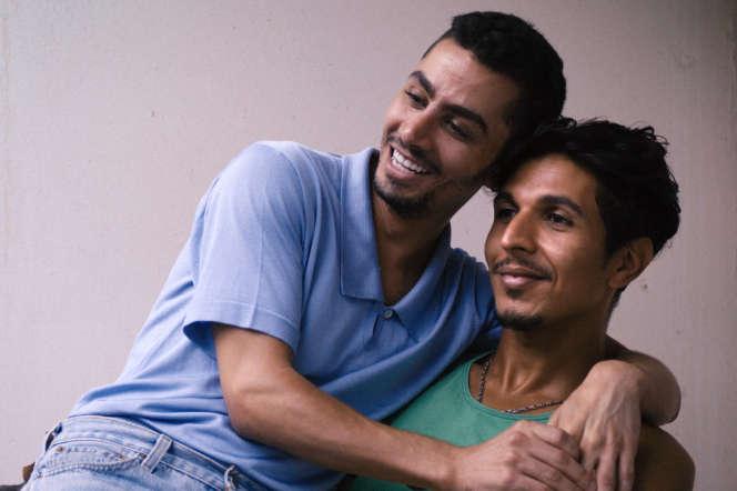 Les acteurs Djanis Bouzyani et Karim Ait M'Hand, à l'affiche dans«Tu mérites un amour», deHafsia Herzi.