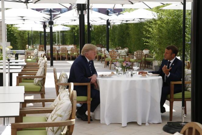 Emmanuel Macron et Donald Trump déjeunent ensemble, à Biarritz, en marge du sommet du G7, le 24 août.
