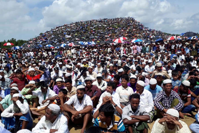 Rassemblement de Rohingya dimanche 25 août au Bangladesh.