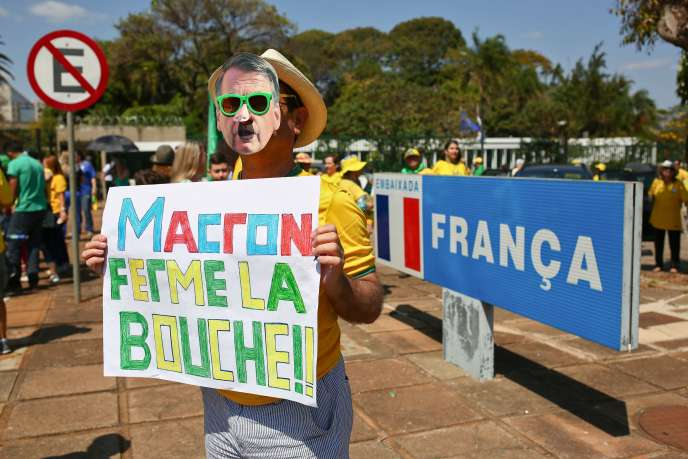 «Crétin opportuniste», «Macrocon», «idiot»… Le président français insulté en ligne par des responsables brésiliens