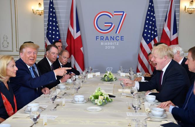 Le président américain, Donald Trump, et le premier ministre britannique, Boris Johnson, lors du sommet du G7 à Biarritz, dimanche 25 août.