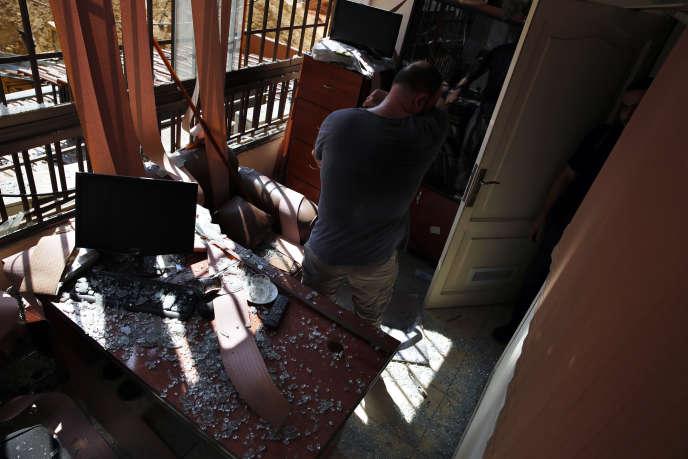 Dans le bureau des médias du Hezbollah touché par un tir de drone, le 25août àBeyrouth.