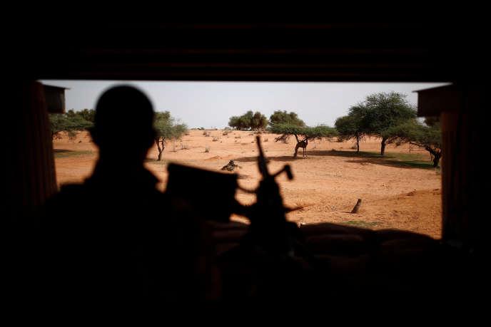 Une patrouille de l'opération « Barkhane» à Gossi, au nord du Mali, le 30 juillet 2019.