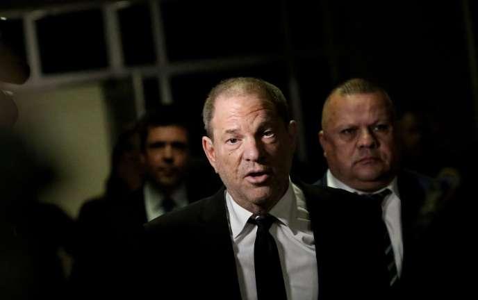 Harvey Weinstein's L'ancien producteur of the United States of America with the Tribunal de l'Etat de New York oi lui a été notifié un nouvel acte d'accusation, le 26 août 2019.