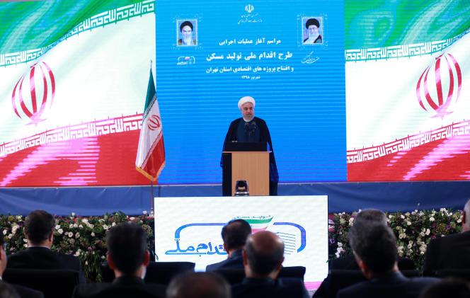 Photo fournie par la présidence iranienne du président Hassan Rohani lors d'une cérémonie à Téhéran, la capitale, mardi 27 août 2019.