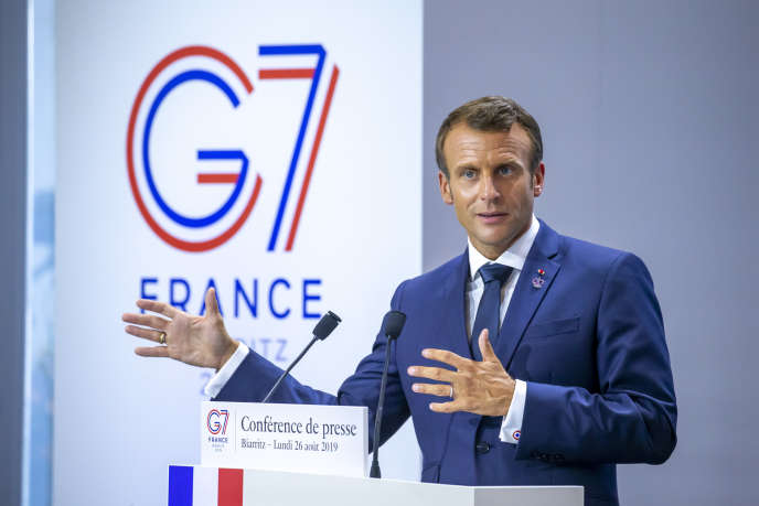 Emmanuel Macron, président de la République, participe à une conférence de presse à la fin de la réunion du G7 à Biarritz, lundi 26 août.