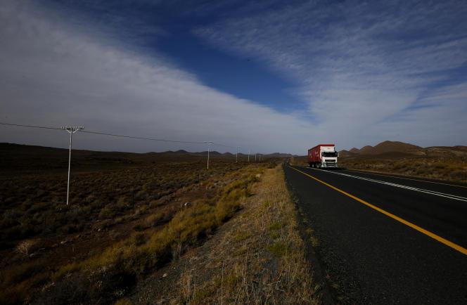 Sur la route N1 reliant Johannesburg et Le Cap, près de Laingsburg, en Afrique du Sud, en octobre 2013.