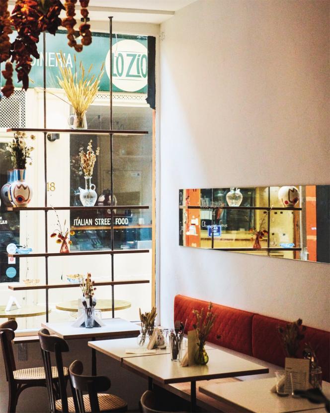 L'intérieur du restaurant Adar, à Paris, dans le 2e arrondissement.