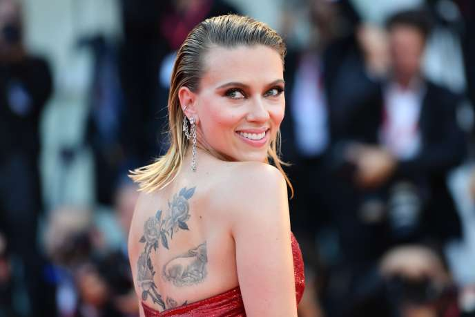 L'actrice Scarlett Johansson sur le tapis rouge pour la projection de«Marriage Story» à la 76e Mostra de Venise, le 29 août 2019.