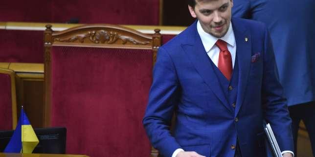 Ukraine: Zelensky choisit un juriste de 35ans pour premier ministre