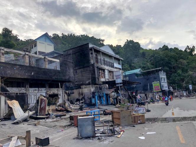 Des magasins détruits à Jayapura, dans la province de Papouasie, en Indonésie, le 30 août.