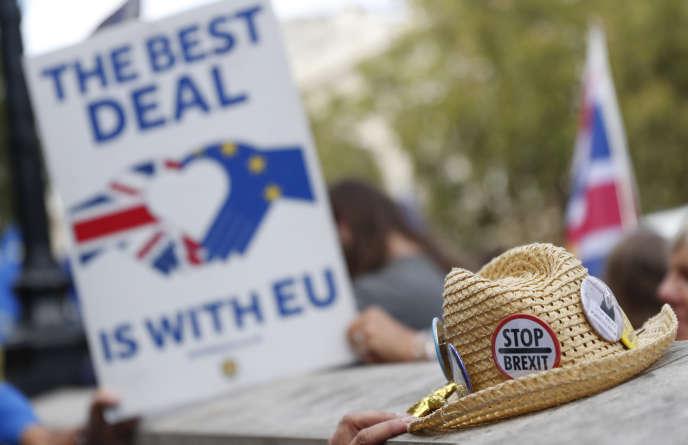 Manifestation anti-Brexit devant le Bureau du Cabinet, le 29 août à Londres.
