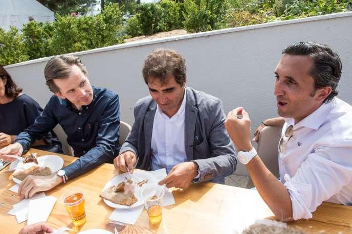 De gauche à droite, Guillaume Larrivé, Christian Jacob et Julien Aubert, les trois candidats à la présidence des Républicains, participent samedi31août à l'université d'été du parti.
