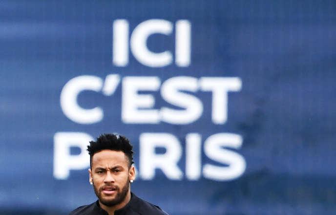 Neymar, lors d'une session d'entraînement à Saint-Germain-en-Laye, le 17 août.