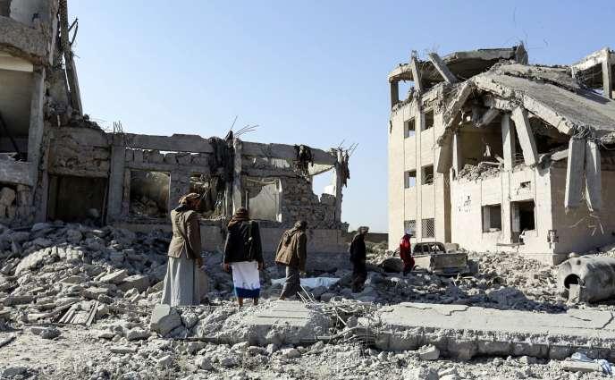 Après la frappe de la coalition arabe, à Dhamar (Yémen), le 1er septembre.