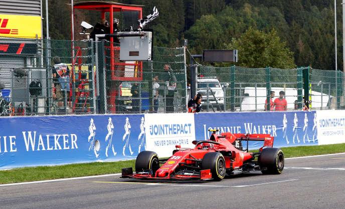 La Ferrari de Charles Leclerc, sur le circuit de Spa (Belgique), dimanche 1er septembre.