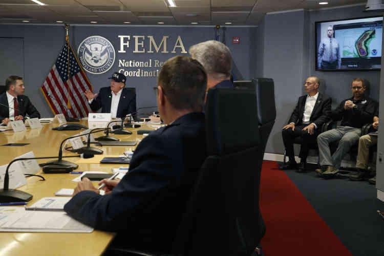 Le président des Etats-Unis, Donald Trump, a été briefé sur l'ouragan Dorian. Il a assisté à une réunion à l'agence fédérale des situations d'urgence (FEMA).