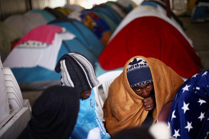 Des Camerounais dans un camp de migrants à Tijuana, au Mexique, le 14mars 2018.