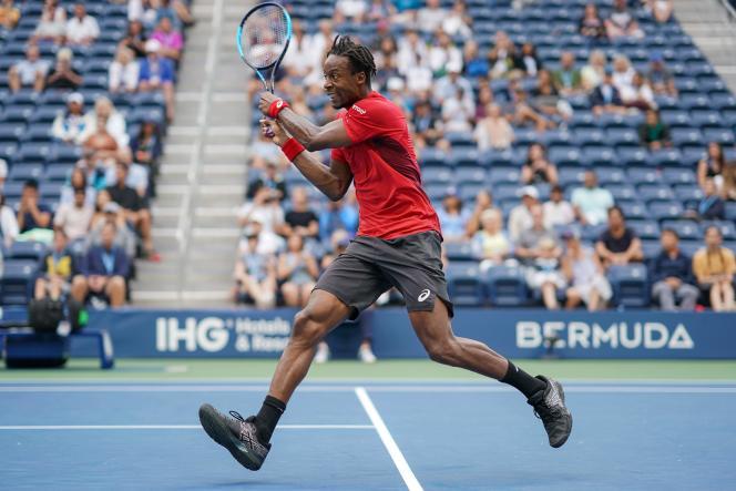 Le Français Gael Monfils répond à l'Espagnol Pablo Andujara, lors de l'US Open 2019 au USTA Billie Jean King National Tennis Center à New York, le 2 septembre.