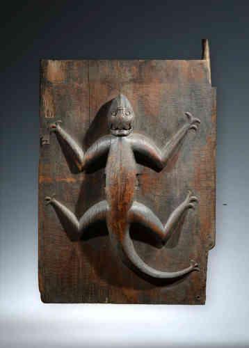 Galerie Pascassio Manfredi (arts d'Indonésie et des Philippines), 11,rue Visconti, Paris 6e (www.pascassio-manfredi.com / Tél.: 01-43-26-34-16).