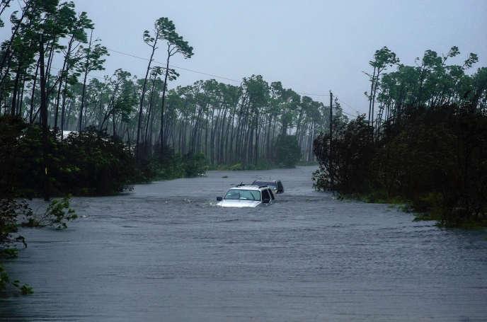 Après le passage de l'ouragan Dorian à Freeport(Bahamas), le 3 septembre.