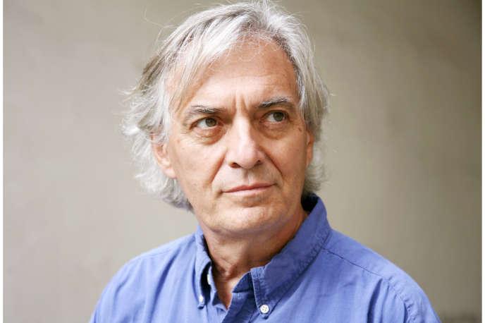L'écrivain Jean-Paul Dubois, à Paris, en 2011.