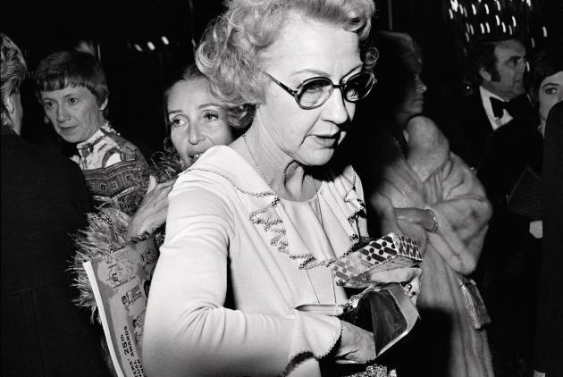 Lors d'une soirée à Los Angeles, 1973 (série «Beverly Hilton»).