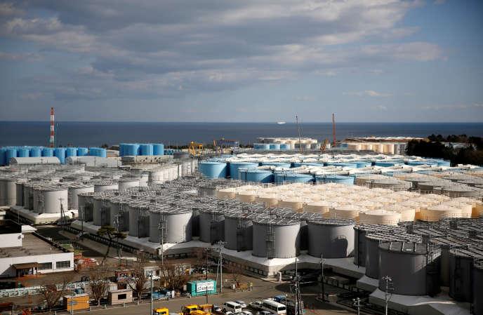 Les réservoirs de la centrale Fukushima Daiichi où est stockée l'eau radioactive issue du refroidissement des trois réacteurs dont la coeur a fusionné en mars 2011.