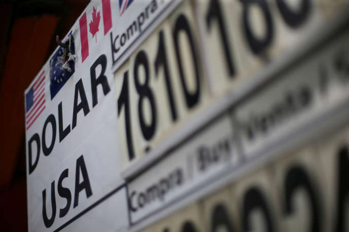 Taux de conversion du peso mexicain et du dollar américain dans un bureau de change de Mexico City, le 4 septembre 2019.