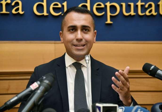 Le chef politique du mouvement italien M5S Luigi Di Maio annonce le résultat du vote à la Chambre des députés, le 3 septembre.