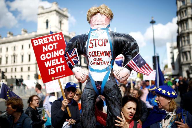 «Contre les nouvelles extrêmes droites, contre MM. Trump et Poutine, Erdogan et Xi, Duterte, Orban ou Bolsonaro, nous avons à résister et l'emporter avec la force qui fut la vôtre durant la guerre. » (Manifestation anti-Brexit, le 4 septembre, à Londres).