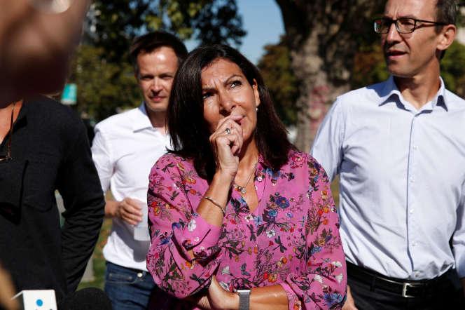 Anne Hidalgo lors de l'inauguration d'une nouvelle piste cyclable, à Paris, le 4 septembre.