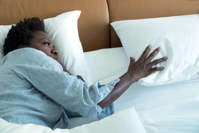 Veronica (Viola Davis), professeure qui se transforme en braqueuse pour éponger les dettes laissées par son mari.