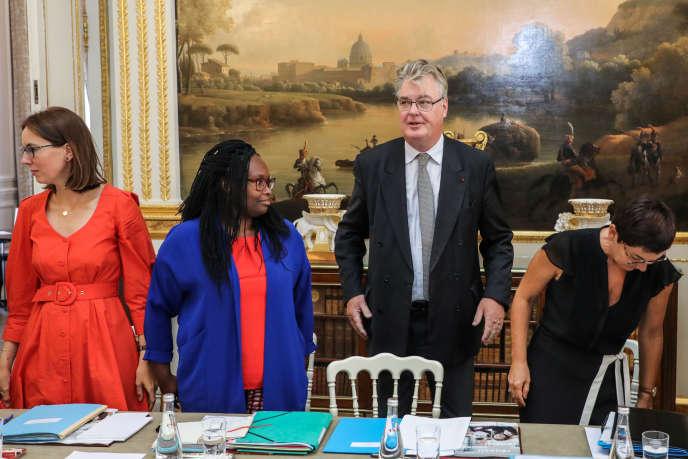 Jean-Paul Delevoye (au centre), nouveau haut commissaire aux retraites, le 4 septembre, à l'Elysée.