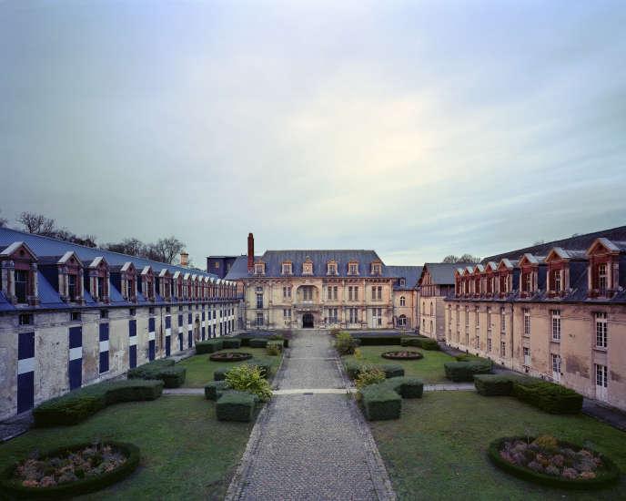 La cour des offices du château de Villers-Cotterêts.